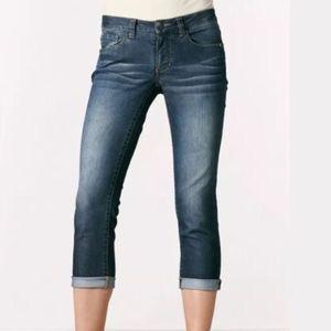 CAbi Johnny Crop Capri Jeans #764